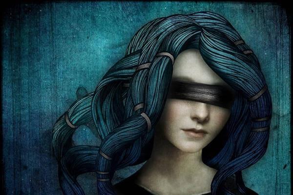 mujer-con-los-ojos-tapados