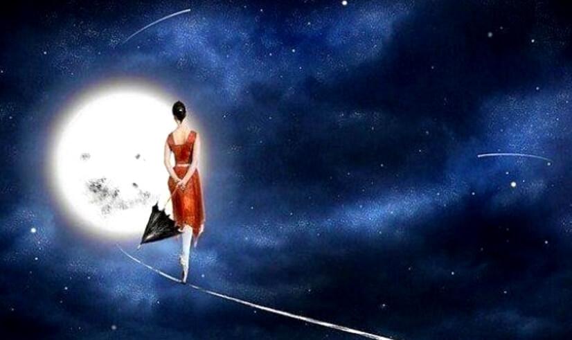 mujer-en-la-luna