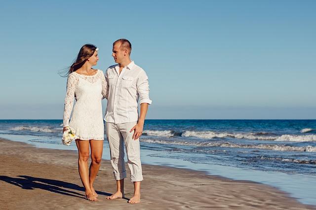 pareja-en-la-playa-terapia-pareja