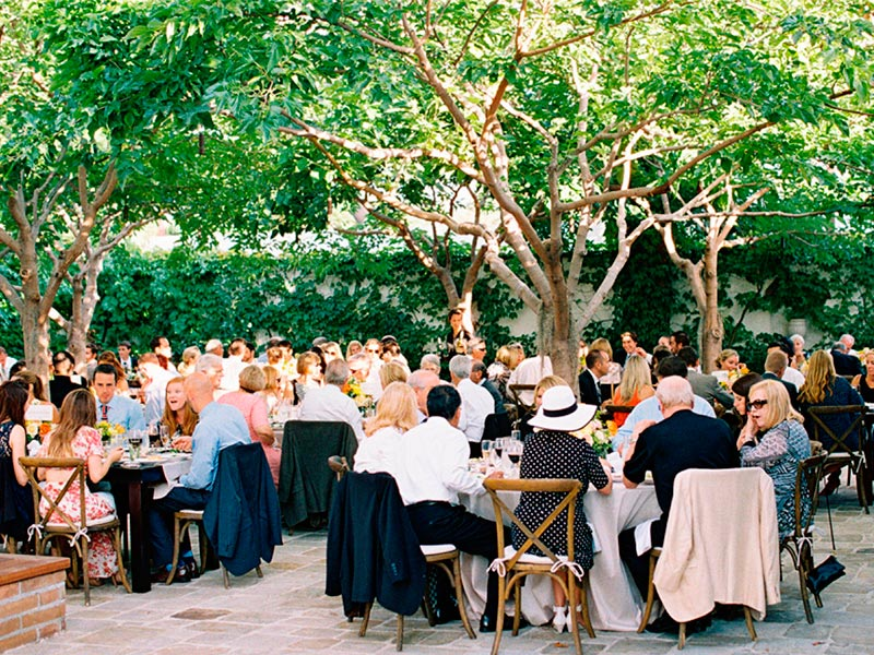 protocolo-para-el-banquete-nupcial-como-organizar-a-los-invitados-en-tu-fiesta-de-boda-5