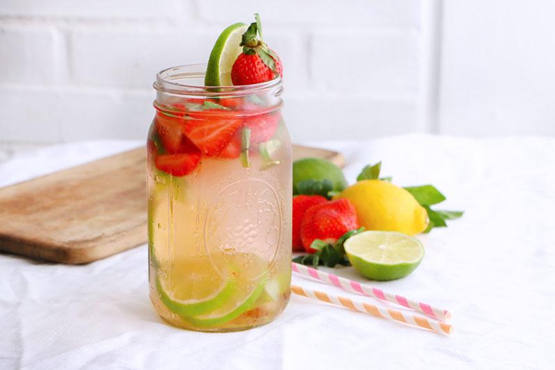 agua-detox-de-fresas-y-limon-0038