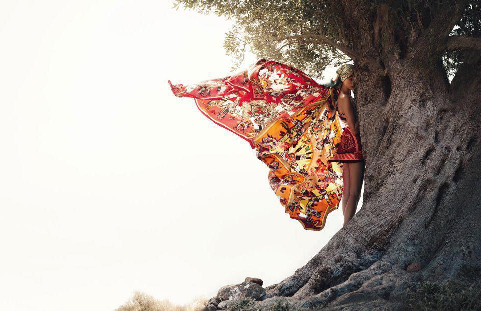mujer-mariposa-Tania-Evans-Psicologa-Holistica-Madrid-y-Alicante1