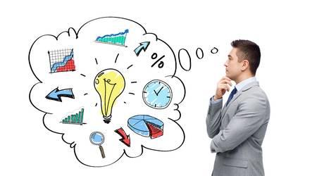 45904883-negócio-pessoas-gestão-e-planejamento-conceito-pensando-empresário-de-terno-com-bolha-de-texto-e-rabiscos-f