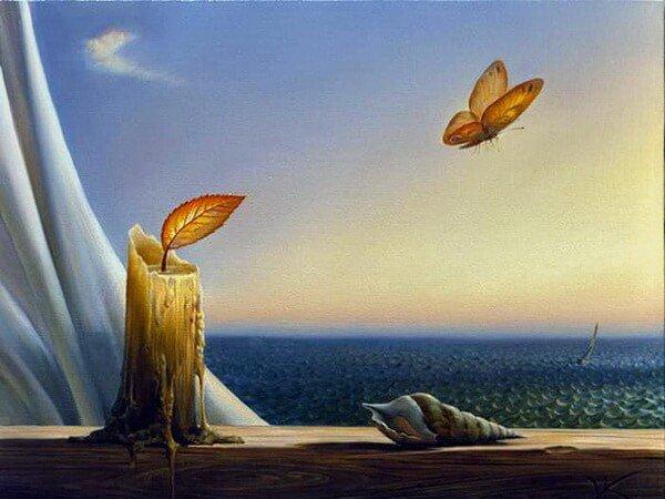 mariposa-junto-a-vela-con-hoja
