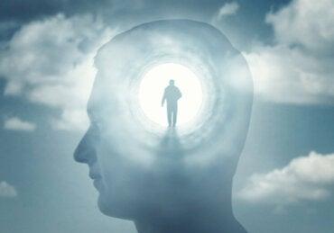 hombre-mente-figura-persona-370x259